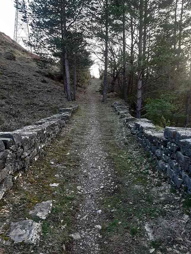 Puente sobre el barranco del camino viejo de Orbil