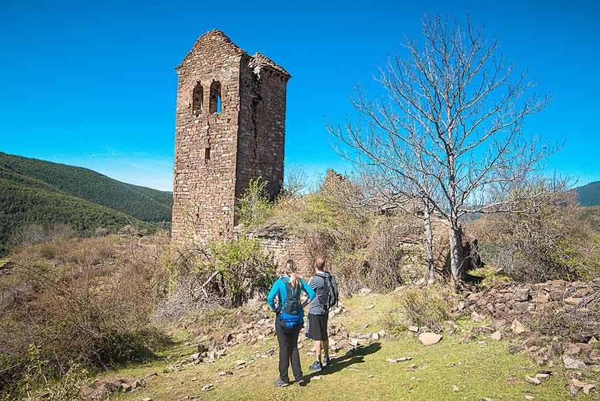 La Torre de la Iglesia de San Pedro en Cenarbe