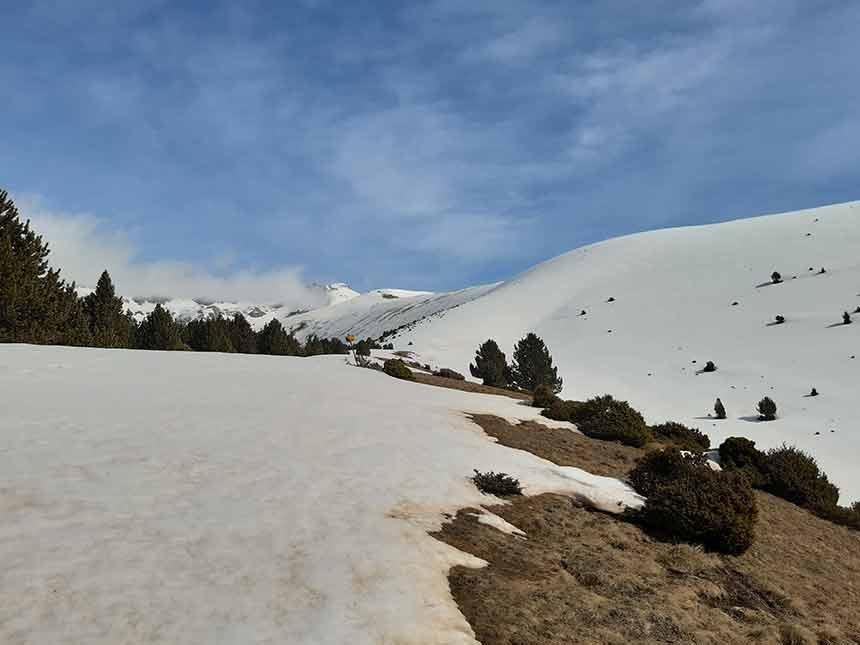 En invierno la nieve esta presente en la Punta de la Selva de Villanúa