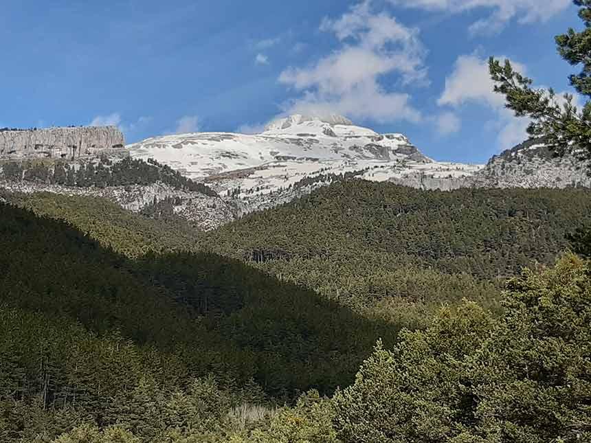 Bonitas vistas en el camino al Refugio de la Espata